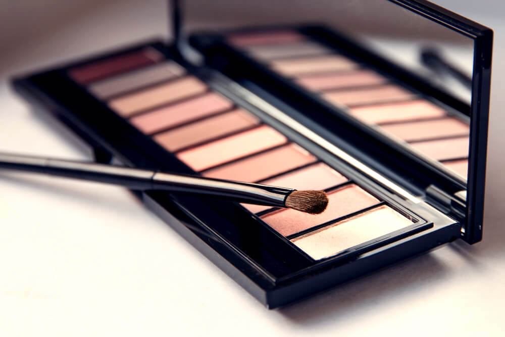 Rosey eyeshadow palette