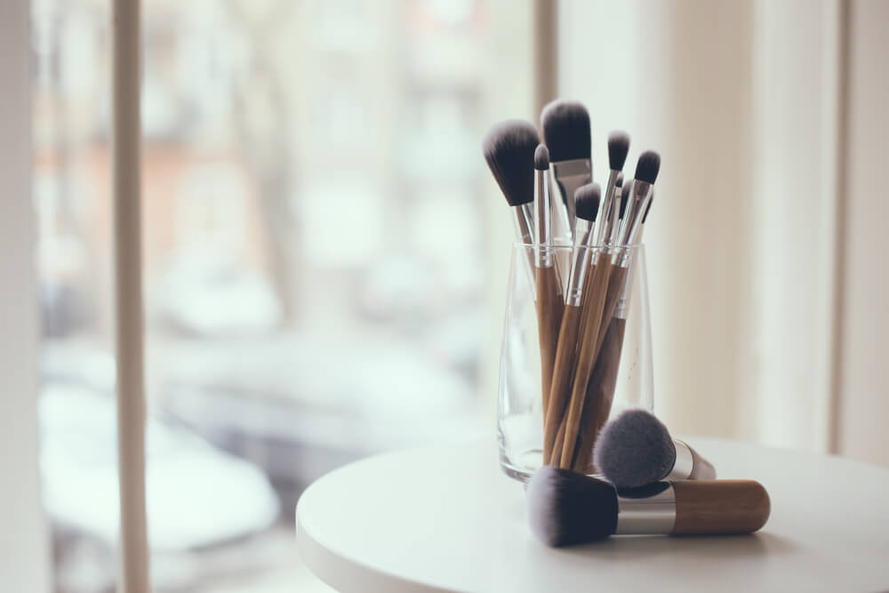 Best Makeup Brushes For Sensitive Skin